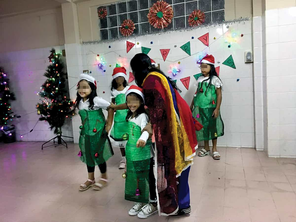 Bangkok-refugee_Christmas-program_blurred-faces